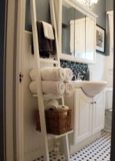 Лестница для хранения мелочей в ванной