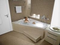 Угловая ванная в современном интерьере