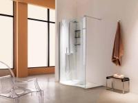 Поддон для душевой кабины в интерьере ванной комнаты