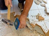 Демонтаж плитки в санузле
