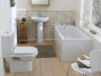 Интерьер маленькой ванной комнаты – эффективно используем пространство
