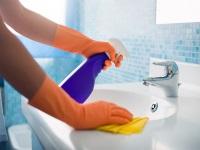 Очищаем налет в ванной