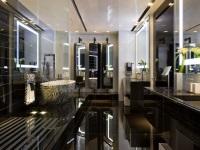 Ванная отделанная зеркалом