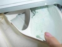 Почему в стиральной машине остается порошок?