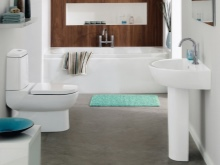 Бело-коричневая ванная