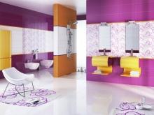 Сиреневый и оранжевой в ванной