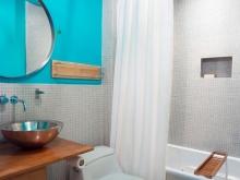Ванная комната - серебристый и бирюзовый
