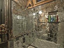 Зеркальная мозаика разного размера для стен ванной
