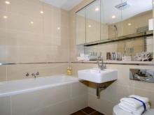 Расположение зеркала в ванной