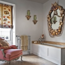 Зеркало с ракушками в ванной морского стиля