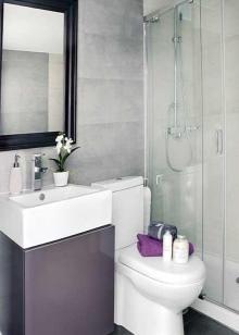 Минимализм в маленькой ванной