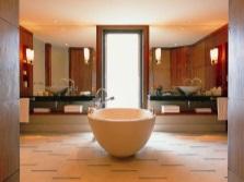 Зонирование совмещенного санузла - ванная посередине