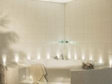 Красивый потолок в ванной