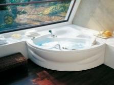 Угловая ванна из акрила  квадратной комнате
