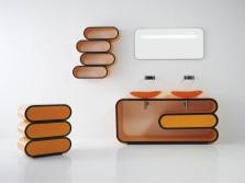 Сантехника оранжевого цвета в белой ванной