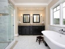 Бежевая с черным ванная