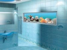 Голубая ванная с аквариумом