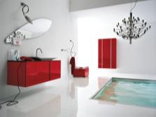 Красная мебель в ванной