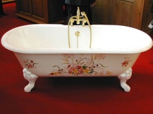 Чугунная ванна с рисунком