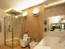 Напольное и светодиодное освещение в ванной комнате