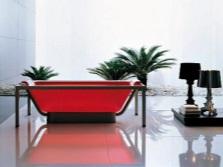 Красная акриловая ванна