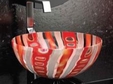 Раковина из цветного стекла