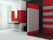 Красный цвет в белой ванной