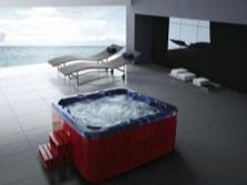 Отдельностоящий гидромассажный бассейн
