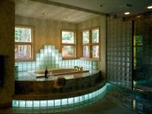 Декорирование экрана для ванной стеклоблоками