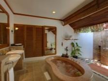 Стиль кантри в интерьере ванной комнаты