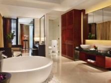 Дизайн красивой просторной ванной