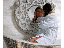 Фрейм из мозаики для зеркала