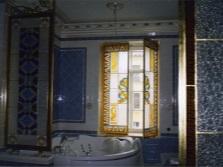 Витражные перегородки в ванной комнате