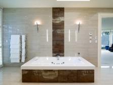 Ванна нестандартной квадратной формы