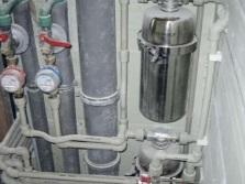 Трубы и фильтры для воды в коробе