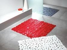Разнообразие цветов резиновых ковриков для ванной комнаты