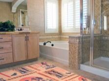 Резиновый коврик в интерьере ванной комнаты