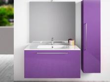Сиреневая мебель в ванной комнате