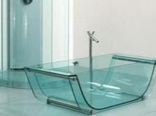 Полностью стеклянная ванна