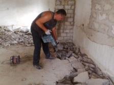 Демонтаж старой бетонной стяжки