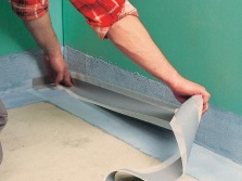 Укладка гидроизоляционной ленты