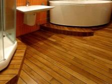 Влагостойкий ламинат в ванной комнате
