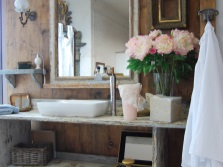 Раковина в стиле прованс в ванной
