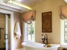 Картины и занавески - ванная в стиле прованс