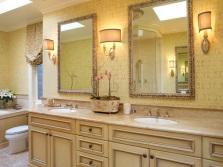 Традиционное освещение в ванной комнате