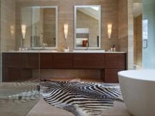 Ванная с аксессуарами различных оттенков