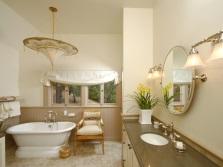 мебель в бежевой ванной
