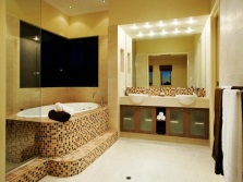 Красивая бежевая ванная