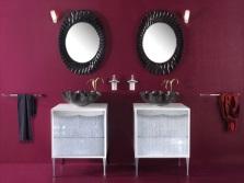Бордовый и коричневый ванная