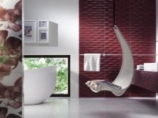 Бордовая ванная с другими цветами